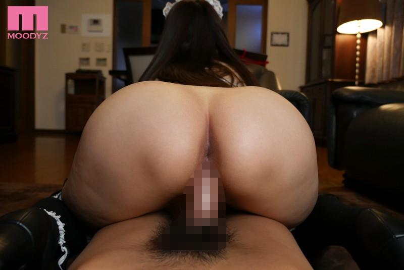 背面騎乗位で尻穴が丸見えの姉メイド 秋山祥子