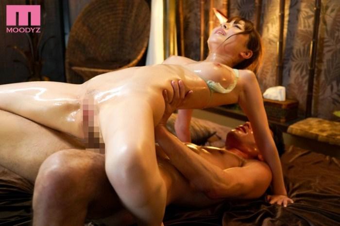 ビクビク痙攣が止まらない性感開発オイルマッサージ九重かんな のサンプル画像 3枚目