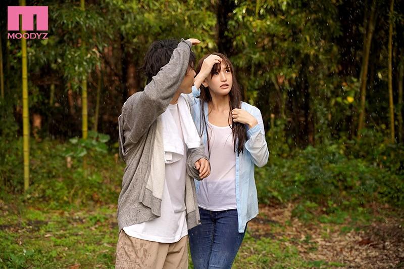 高橋しょう子 突然のゲリラ豪雨 グラドルと遭難小屋で朝まで二人きり…サンプルイメージ1枚目