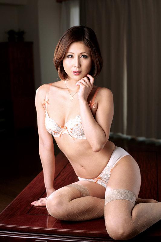 美熟女ベスト桐岡さつき 4時間 美乳美尻マドンナ