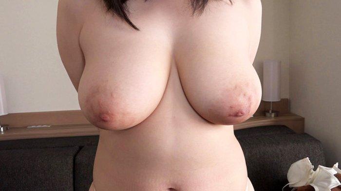 身長175cmB111(I-cup)W76H105の超大型新鮮肉娘AV… のサンプル画像 4枚目