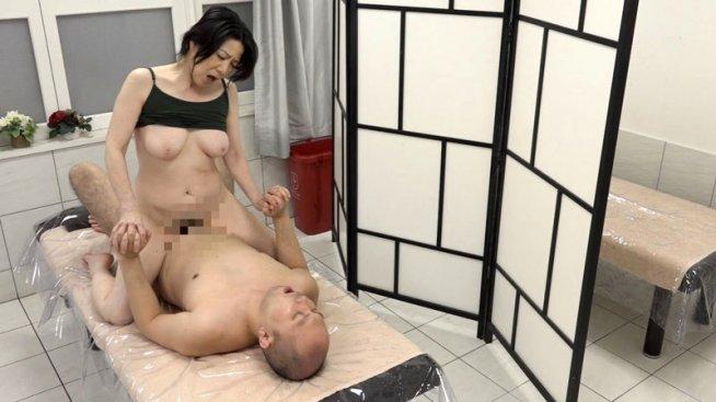 五十路熟女10人のねっとり濃厚SEX(3)~やっぱり熟れたマ●コは気持ちがイイね!