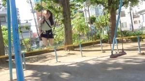 なかだC組ひかりちゃん(18)ねぇ、おじさんと遊ばない?近所の公園で… のサンプル画像 1枚目