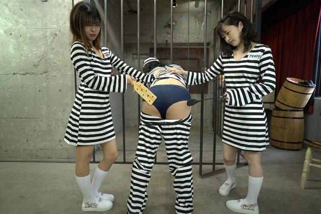 矯正施設から脱獄せよ!屈辱のお尻叩き 橋本れな