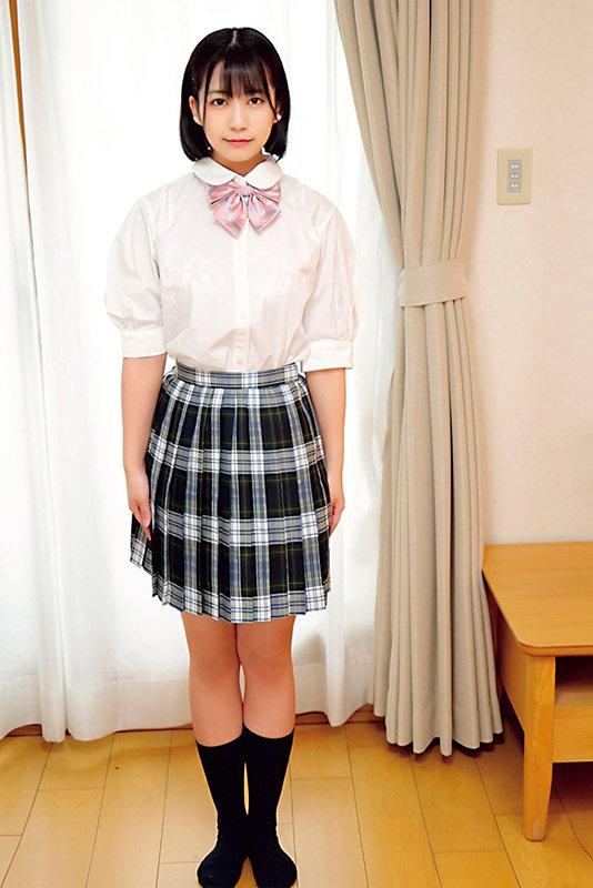 素人ヘアヌード大図鑑~十代の無毛な制服美少女編 のサンプル画像 17枚目