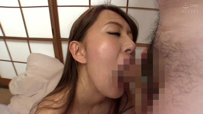 汗でビショビショの女を徹底SCOOP!!強烈に放たれるメスの香りに勃起… のサンプル画像 11枚目