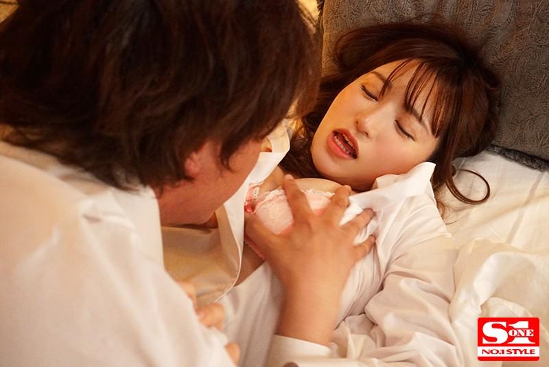 天使もえ 美人上司と童貞部下が出張先の相部屋ホテルで…いたずら誘惑を真に受けた部下が10発射精の絶倫性交サンプルイメージ5枚目