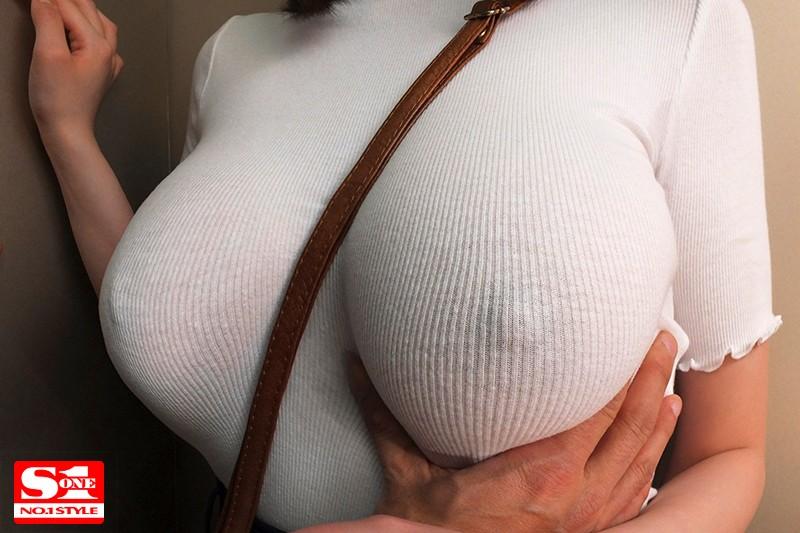 筧ジュン 常にノーブラ透けおっぱいで誘惑する【完全着衣】Jカップお姉さんサンプルイメージ2枚目