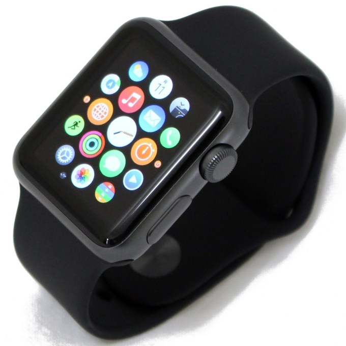 Apple Watch Sport 38mm スペースグレイアルミニウムケース/ブラックスポーツバンド