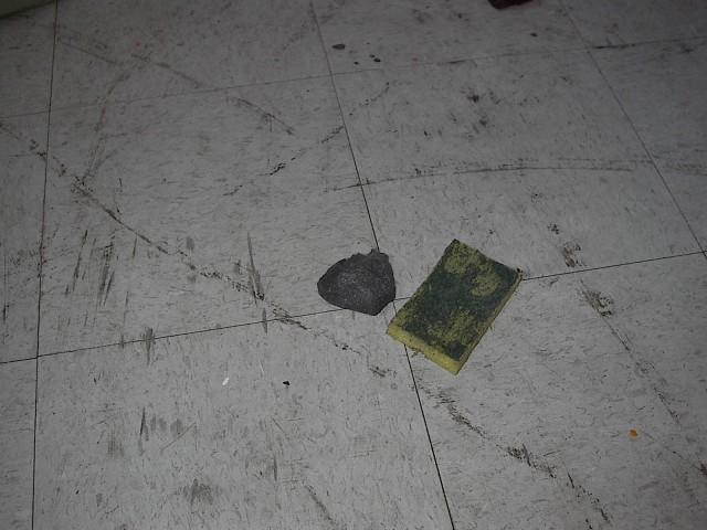 Removing deep scuffs from a linoleum tile floor