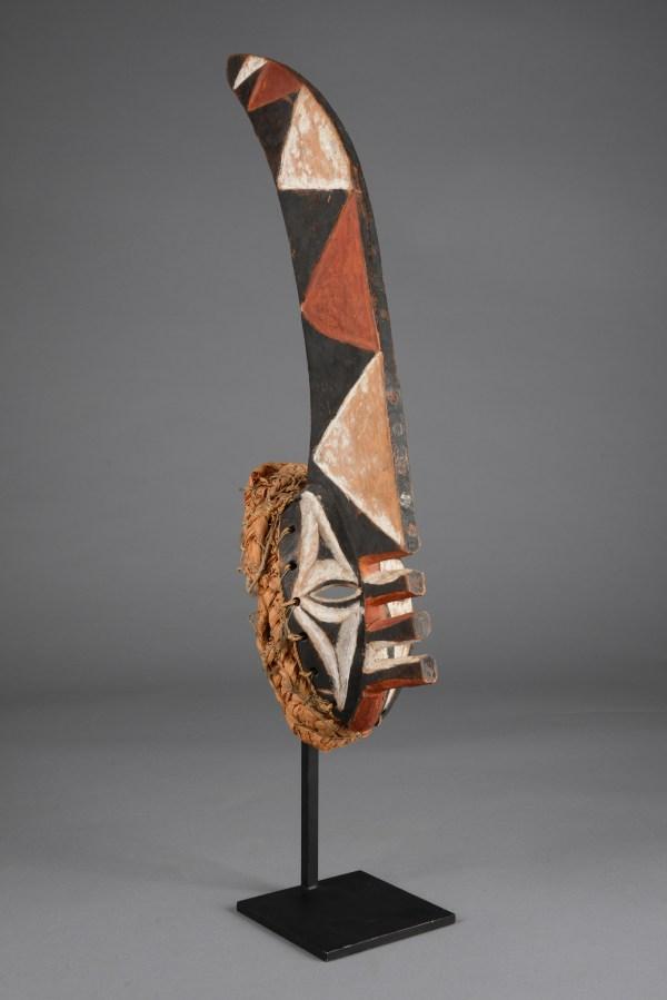 "Mask ""mma Ji"" ""yam Knife"" - Auctionhouse Zemanek-nster"