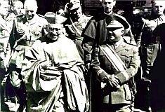 El Dictador Franco y el Cardenal Segura