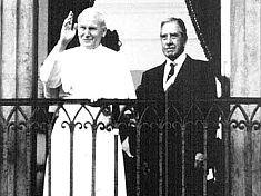 El Papa Juan Pablo II y el dictador Pinochet