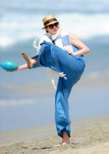 Anne Hathaway' Feet