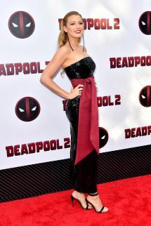 2 Deadpool Ryan Reynolds and Blake Lively