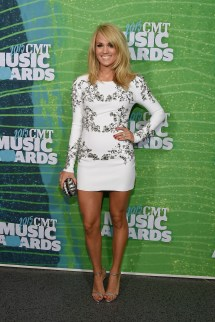 CMT Music Awards Carrie Underwood 2015