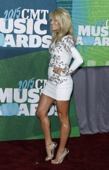 Carrie Underwood' Feet