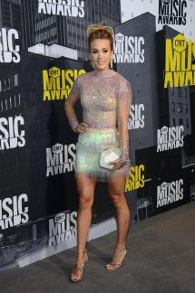 Carrie Underwood' Feet - Free Mobile Porn Video