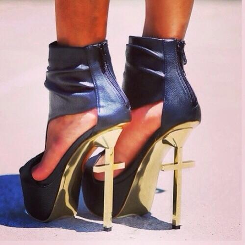 Cayenne Klein's Feet
