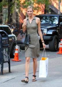 Taylor Swift Leaving New York Apartment