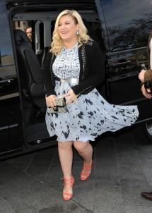 Kelly Clarkson Feet Compilation Celebfeetscene
