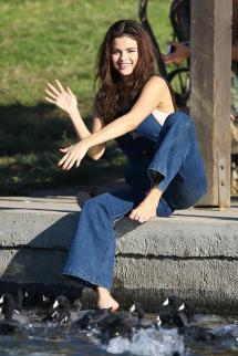 Feet Selena Gomez 2018