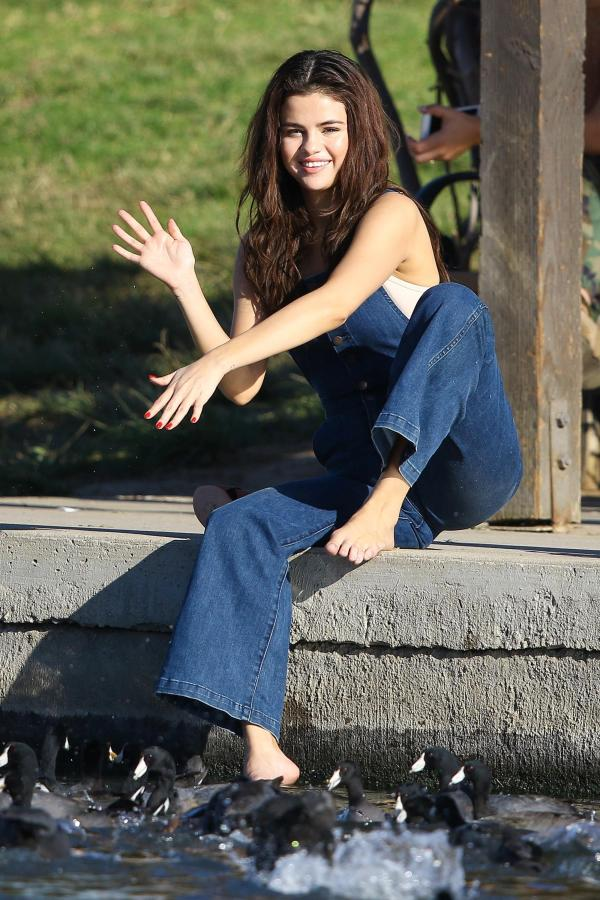 Selena S Feet - Newwallpaperjdi co