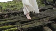 Cute Taylor Swift Barefoot - Bing