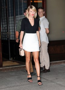 Taylor Swift Shoe Size - Shoes Yourstyles