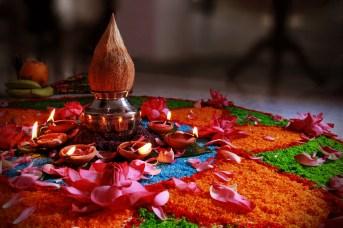 offering-to-godess-lakshmi