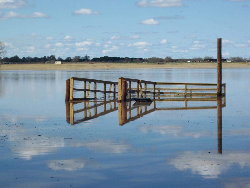 Leander TX  March of 07 flood in my neighborhood Devine