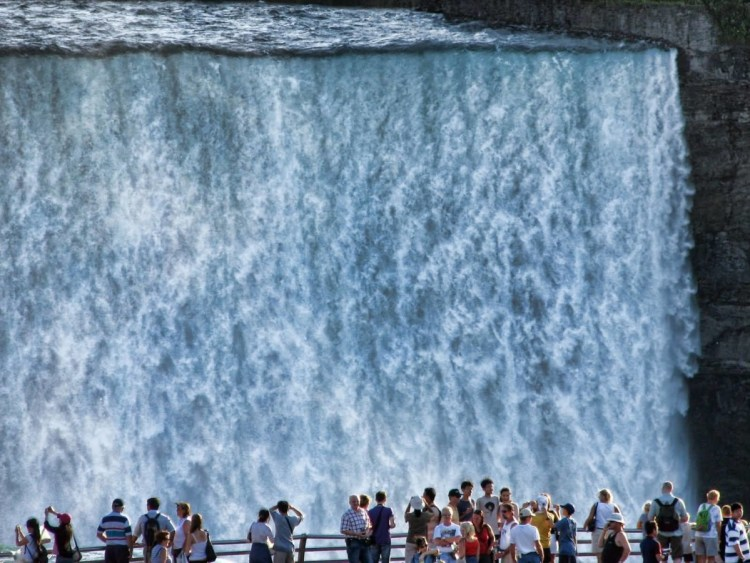 Fantastic View Of Niagara Falls With Many People