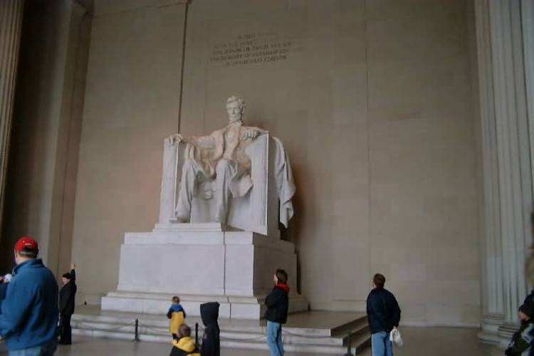 Most Beautiful Statue Of Abraham Lincoln Inside The Lincoln Memorial For Wallpaper