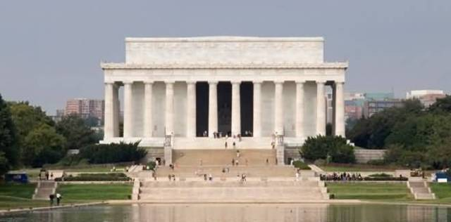 Front View Of Lincoln Memorial View Across The Pond For Wallpaper