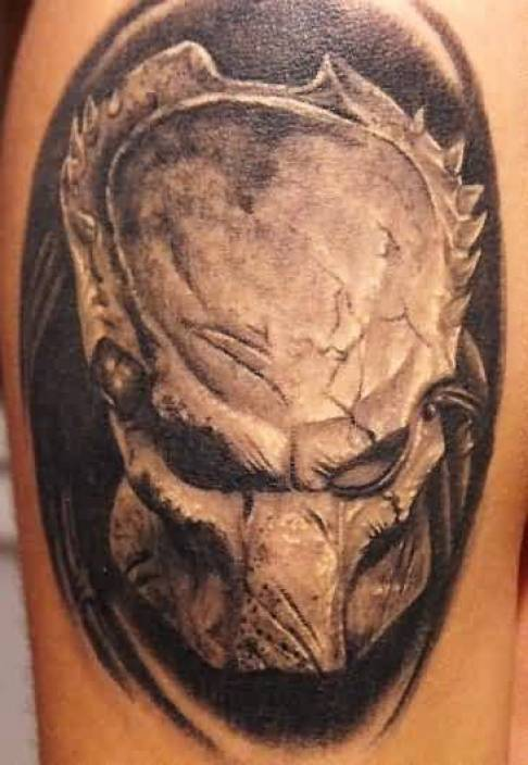 Groovy Gray Color Ink Predator Head Tattoo On Man Shoulder For Man
