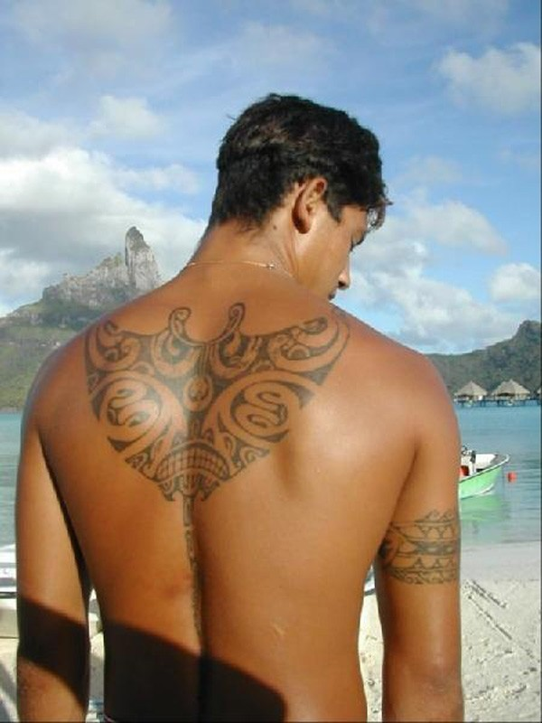 Most Love Able Manta Ray Tattoo On Back With Black Ink For Man And Woman