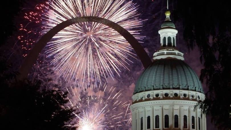 Nice Courthouse And The Gateway Arch On Fireworks At Night Beautiful Seen
