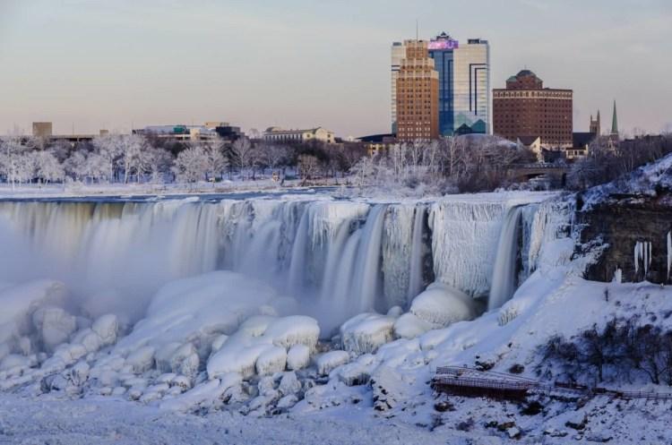 Nice Building With Niagara Falls Frozen Winter Wallpaper