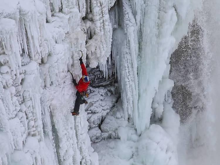 Perfest Brave Will Gadd Climbing On Frozen Niagara Falls With Beautiful Seen