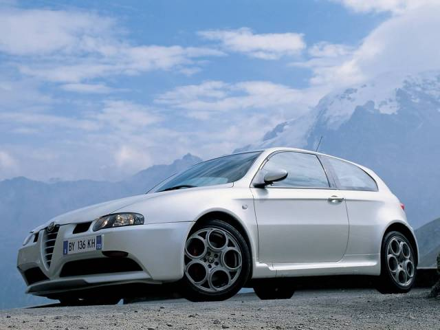 Amazing White colour Alfa Romeo 147 GTA Car left side