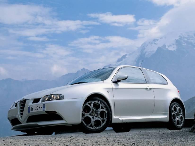 Amazing White colour Alfa Romeo 147 GTA Car left side