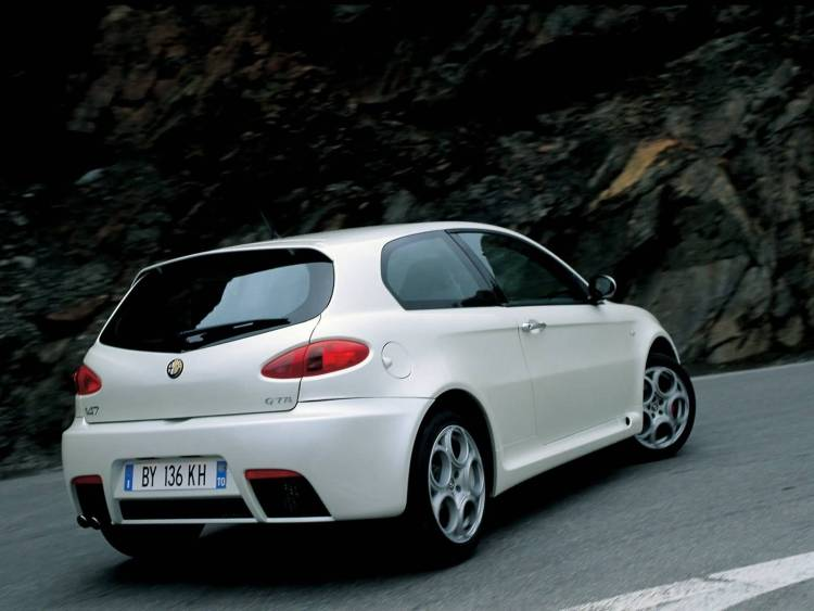alfa romeo 147 white - photo #35