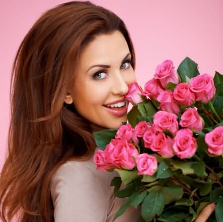 Beautiful Girl Wishes Happy Rose Day