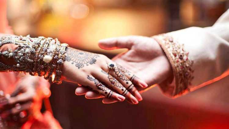 Beautiful Hands On Hand Bride Groom Indian Wedding Image