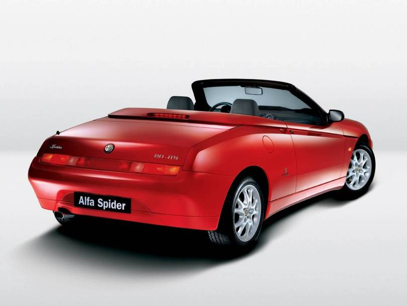 Beautiful Red colour Alfa Romeo Spyder Car