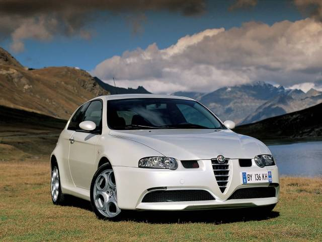 Beautiful White colour Alfa Romeo 147 GTA Car for wallpaper