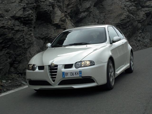 Beautiful front side view of White colour Alfa Romeo 147 GTA Car