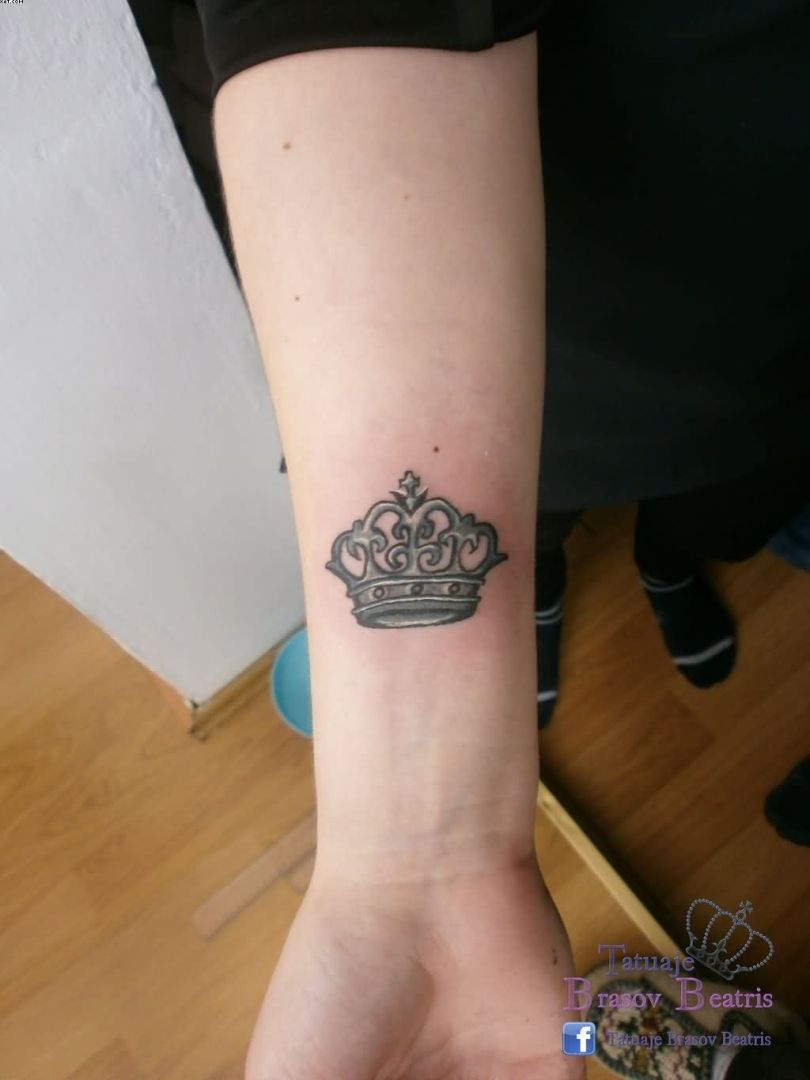Cute Small Crown Of King Tattoo On Wrist With Black Ink For Woman