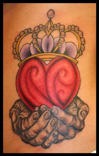 Elegant Blue Red And Black Color Ink Claddagh Tattoo For Girls