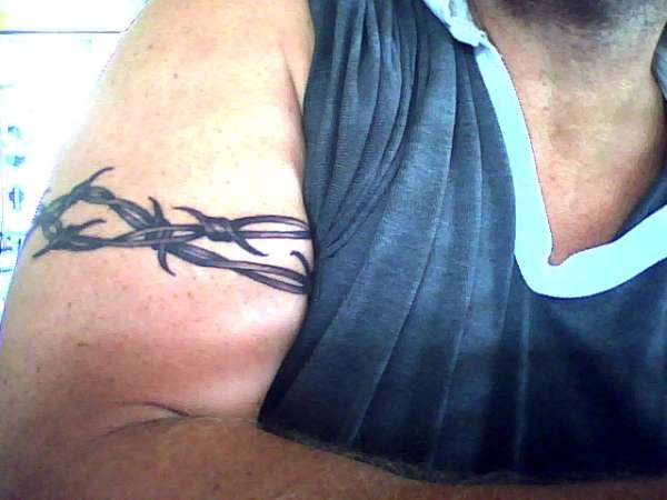 Fantastic Black Color Ink Barbed Wire Armband Tattoo For Boys